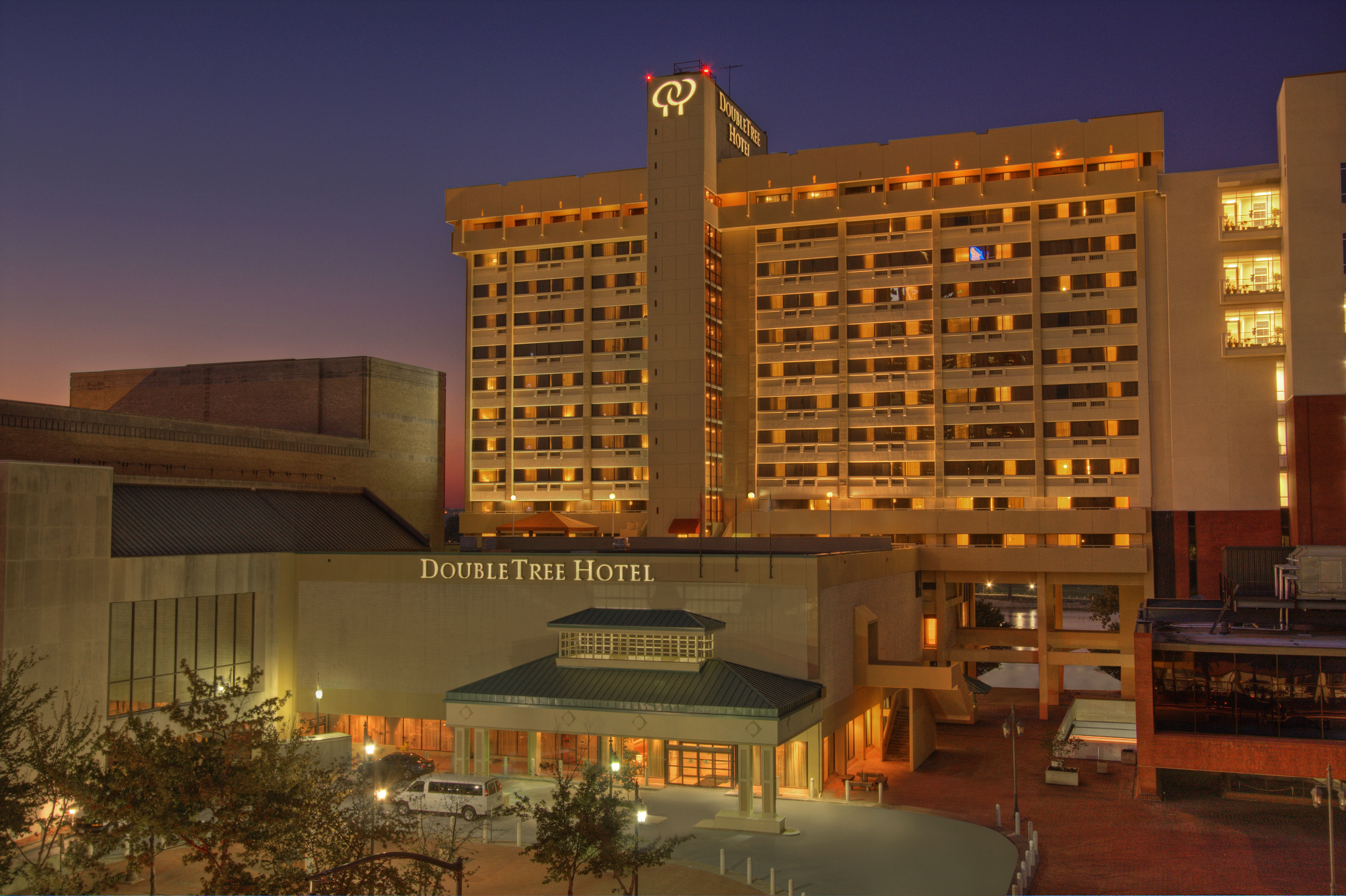 HOTEL DOUBLETREE BY HILTON LITTLE ROCK, AR 3* (United States) - from ...