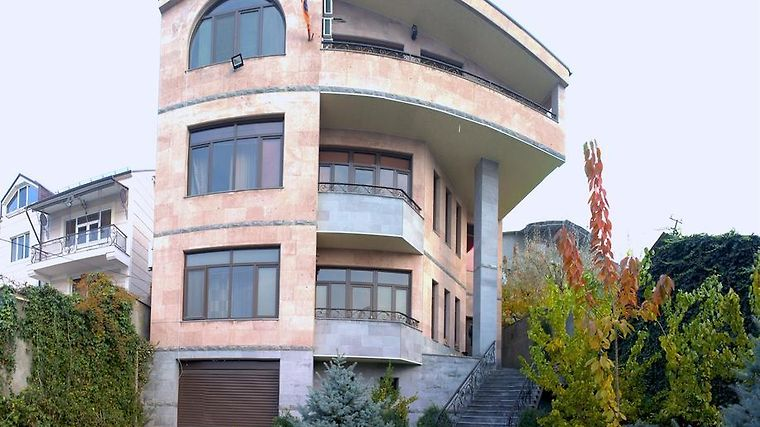 °GRAND HOSTEL YEREVAN (Armenia)   From US$ 26 | BOOKED