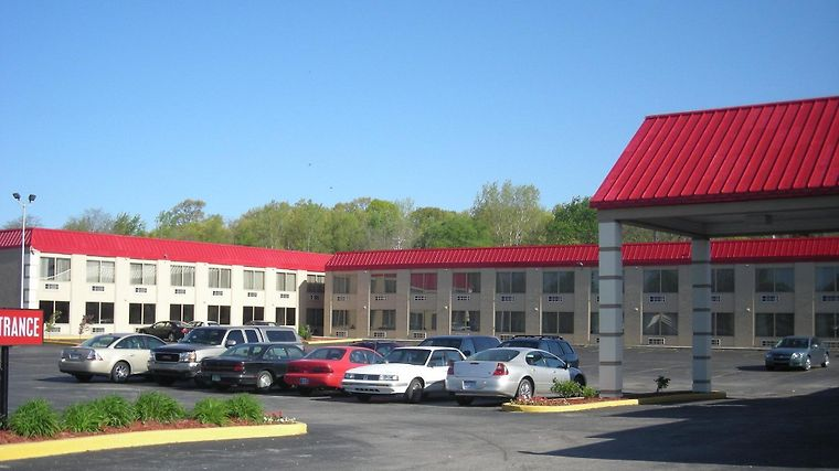 °HOTEL RED ROOF INN U0026 SUITES MUSKEGON HEIGHTS, MI 2* (United States)   From  US$ 75 | BOOKED