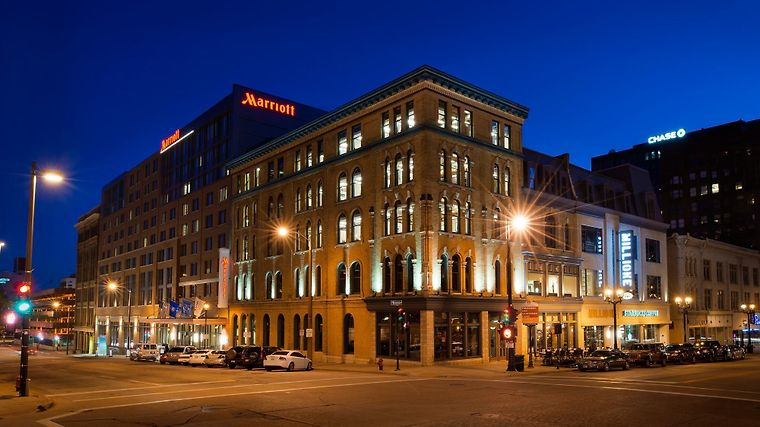 Hotel Milwaukee Marriott Downtown Wi 3 United States From Us 273 Booked