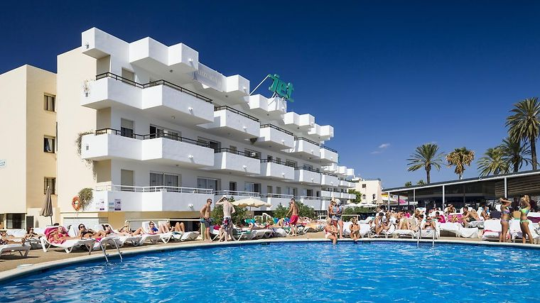 °HOTEL JET APARTMENTS PLAYA Du0027EN BOSSA 3* (Spain)   From US$ 326 | BOOKED