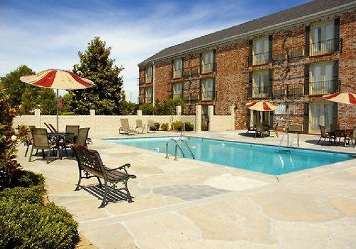 Best Western Premier Governors Suites Exterior Pool