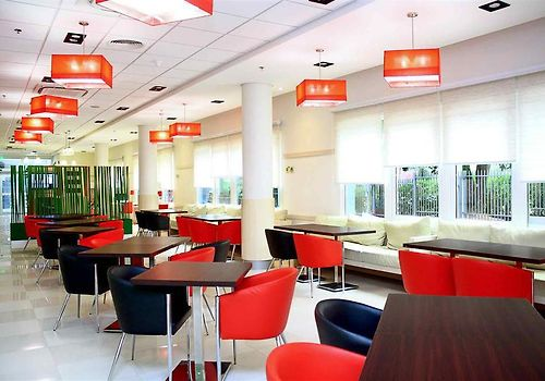 Ibis Asuncion Interior Bar Lounge