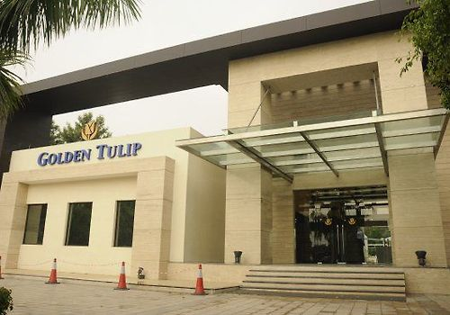 Golden Tulip Chattarpur New Delhi Exterior
