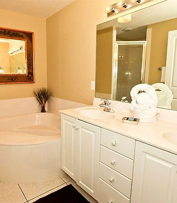 Celadon Beach Resort By Wyndham Vacation Rentals photos Room
