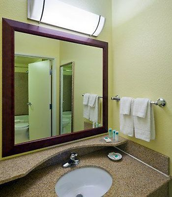 Springhill Suites Boulder Longmont photos Room Guest Bathroom