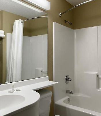 Microtel Inn & Suites By Wyndham Marion/Cedar Rapids photos Room