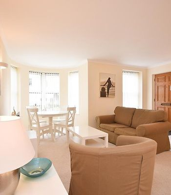 Town Or Country - Osborne House Apartments photos Room