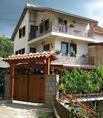 Risto'S Guest House photos Exterior Hotel information