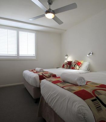 84 The Spit Holiday Apartments photos Room