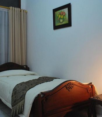 Queen Homestay photos Room