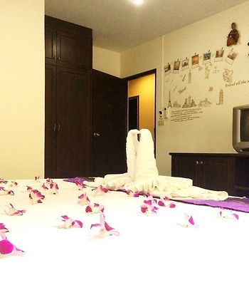 Patong Ours Guest House photos Exterior Hotel information