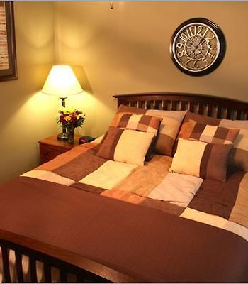 Eagle'S Den Suites At Carrizo Springs photos Room