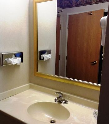Super 8 Sawyer Michigan photos Room