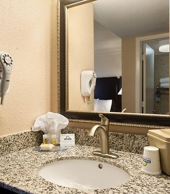 Days Inn Fort Lauderdale Hollywood/Airport South photos Room