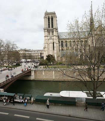 Studio With View Of Notre Dame photos Room