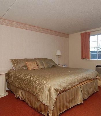 Knights Inn And Suites Grand Forks photos Room