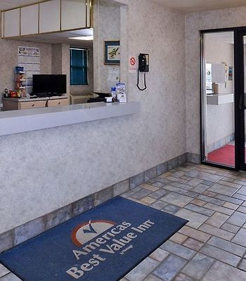 Americas Best Value Inn - Walcott / Davenport photos Interior Front Desk