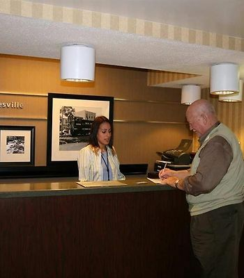 Hampton Inn Gainesville photos Interior Front Desk
