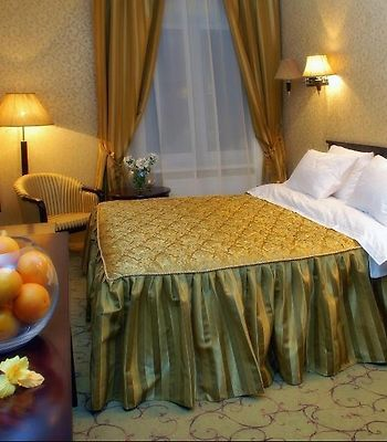 Royal Hotels And Spa Resorts In Truskavets photos Room Guest Room