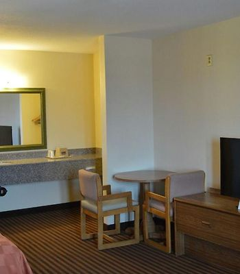Scottish Inns And Suites Eau Claire photos Room