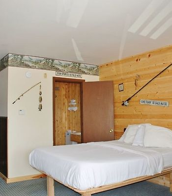 Lakes Area Motel And Rv Park photos Room One Double Bed Kitchenette Suite