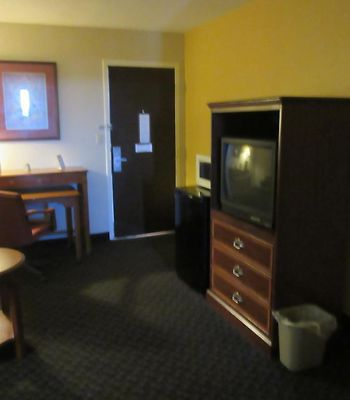 Days Inn And Suites Se Columbia Ft Jackson photos Room