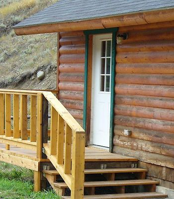 Yellowstone Mountain Cabins photos Exterior