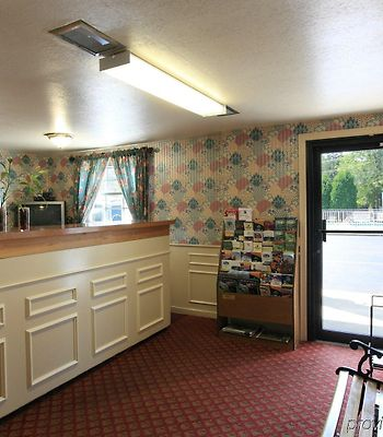 Americas Best Value Inn- Jamestown/ West Ellicot photos Interior
