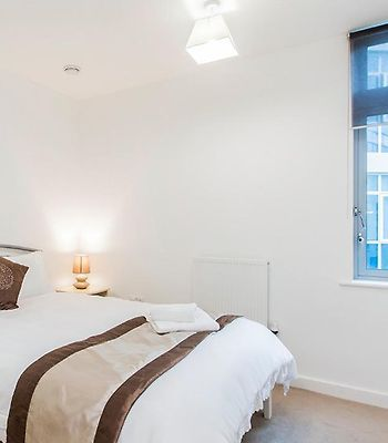 Modern Serviced Apartment In Limehouse photos Room