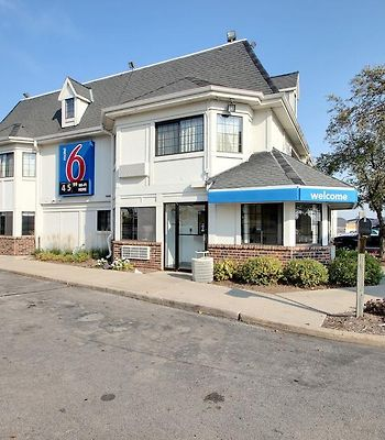 Motel 6 Milwaukee West - Brookfield photos Exterior Hotel information