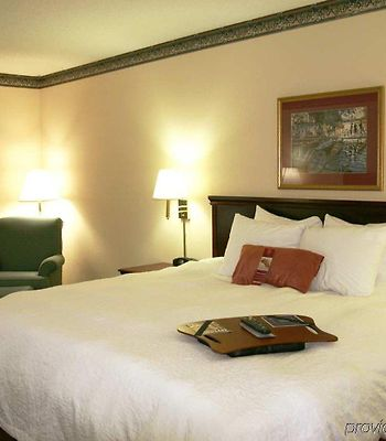 Hampton Inn Batesville photos Room