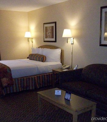 Fairfield Inn & Suites Uncasville photos Room