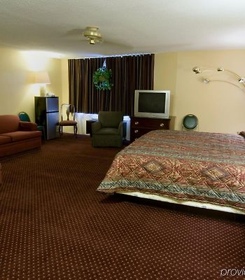 Americas Best Value Inn Foxboro photos Room
