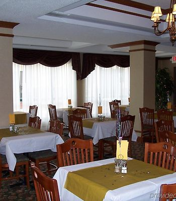 Holiday Inn Express & Suites Montpelier photos Restaurant