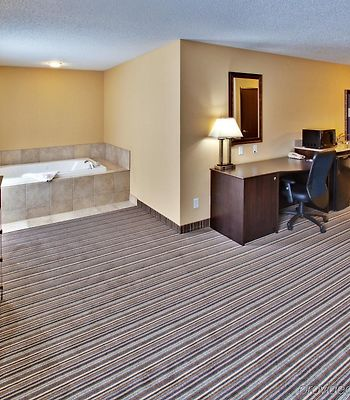 Holiday Inn Express Hotel & Suites Council Bluffs - Conv Ctr Area photos Room