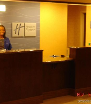 Holiday Inn Express & Suites Ridgeland - Jackson North Area photos Interior