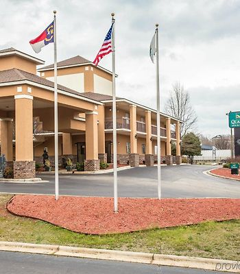 Quality Inn & Suites Rockingham photos Exterior