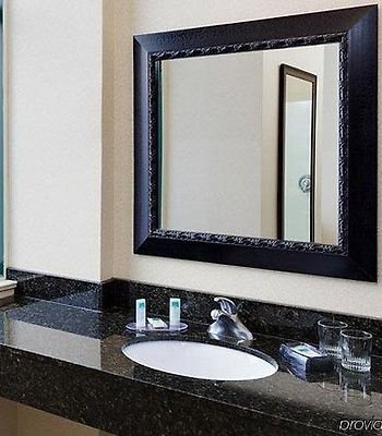Springhill Suites Baltimore Downtown/Inner Harbor photos Room