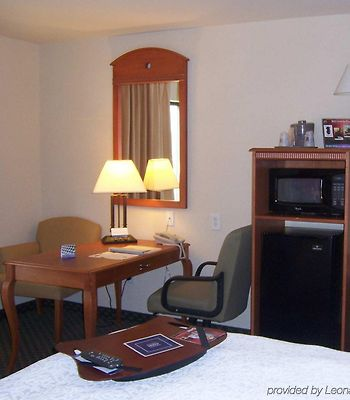 Hampton Inn Wichita Falls-Sikes Senter Mall photos Room