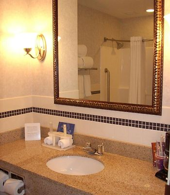 Holiday Inn Express & Suites Rochester-Victor photos Room