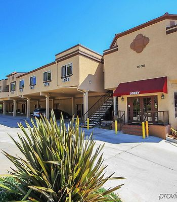 Econo Lodge Inn & Suites Fallbrook Downtown photos Exterior
