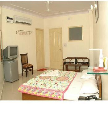 Hotel Vishesh Continental Kirti Nagar photos Room Deluxe Room