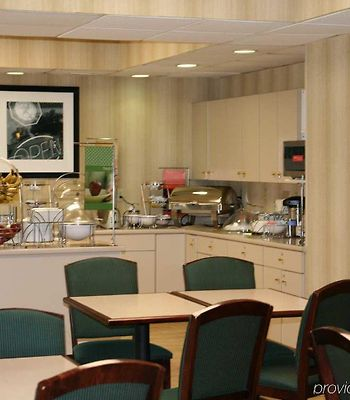 Hampton Inn Huntington/Barboursville photos Restaurant