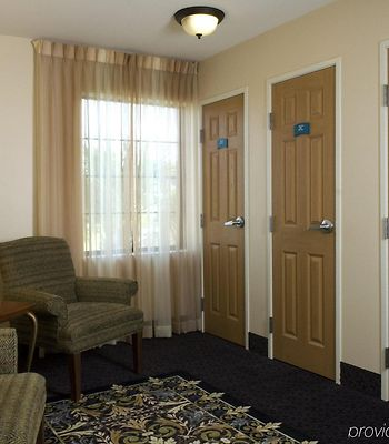 Staybridge Suites Savannah Airport photos Interior