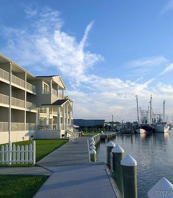 Hampton Inn & Suites Chincoteague-Waterfront photos Exterior