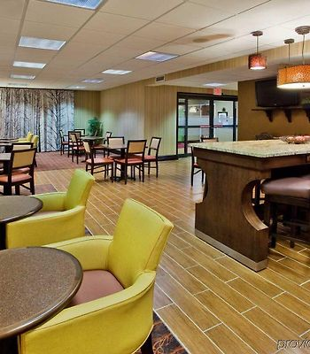Hampton Inn Commerce photos Restaurant