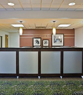 Hampton Inn Cleveland-Airport/Tiedeman Rd. photos Interior