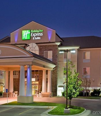Holiday Inn Express Hotel & Suites Wichita Airport photos Exterior