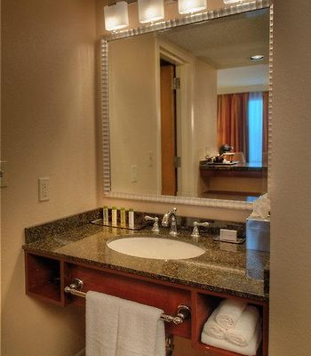 Doubletree By Hilton Hotel St. Louis - Chesterfield photos Room